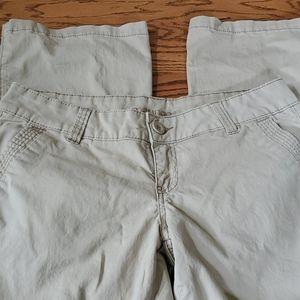 Maurices Khaki pants size 5/6.